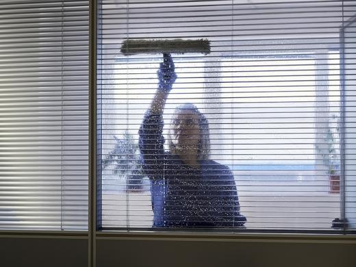 Cuidado com a casa: quando a limpeza profissional torna-se indispensável?