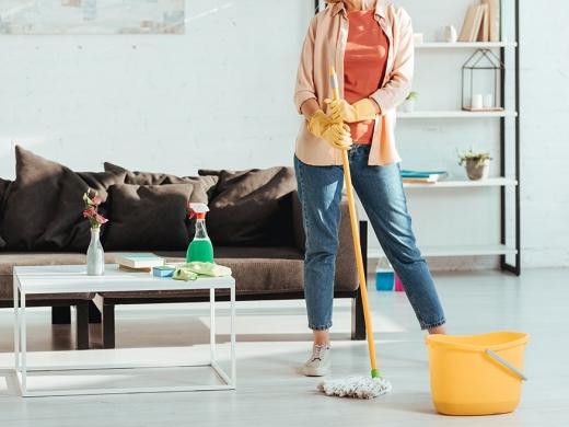 Não gosta de limpar a casa? 'Ensine' o seu cérebro a gostar da atividade