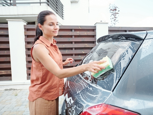 5 coisas que você não deve fazer ao limpar o carro